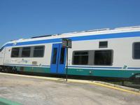 arriva un treno in stazione - 1 maggio 2010  - Segesta (1873 clic)