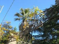 Villa Patti - particolare del cancello d'ingresso - 5 dicembre 2010 CALTAGIRONE LIDIA NAVARRA