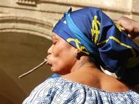 Spettacolo multietnico UNA SOLA FAMIGLIA UMANA nel cortile del Collegio dei Gesuiti - 19 giugno 2011  - Sciacca (980 clic)