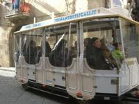 a spasso nei carruggi di Caltagirone - trenino turistico - 4 dicembre 2010 CALTAGIRONE LIDIA NAVARRA