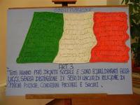 Bandiera italiana realizzata con la pasta - art. 3 della Costituzione - Collegio dei Gesuiti - 17 giugno 2011  - Alcamo (841 clic)