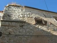 dettaglio edificio - finestra con inferriata a collo d'oca - 31 agosto 2010  - Giuliana (4168 clic)