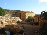 Le Grotte di Custonaci - Grotta preistorica Scurati - borgo rurale costruito più di un secolo fa ed abitato fino alla seconda guerra mondiale - particolare - 14 marzo 2010    - Custonaci (2252 clic)