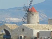 Museo del Sale e mulino a vento - 20 novembre 2011  - Nubia (600 clic)