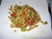 busiate fave, finocchietto e gamberi - da Liborio - 22 agosto 2010  - Castellammare del golfo (2594 clic)
