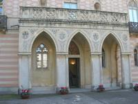 Villa Patti - particolare facciata ed ingresso - 5 dicembre 2010 CALTAGIRONE LIDIA NAVARRA