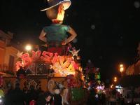 Carnevale - sfilata carri allegorici - 8 marzo 2011  - Cinisi (2608 clic)