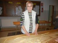 preparazione biscotti Umberto - sig.ra Antonina Asaro - I.C. Pascoli - 29 novembre 2011  - Castellammare del golfo (753 clic)