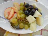 BAGLIO NOVO - composizione di frutta: uva nera e bianca, noce pesca e melone bianco - 15 agosto 2011  - Fulgatore (1375 clic)