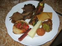 antipasto: bruschetta, funghi, zucchina, cavolfiore, panelle, formaggio, mortadella - Due Palme - 20 febbraio 2011  - Santa ninfa (1602 clic)