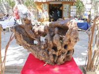 scultura su tronco d'albero in mostra - 16 maggio 2010  - Noto (3495 clic)