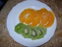 frutta: arancia e kiwi con zucchero e maraschino - Due Palme - 23 gennaio 2011  - Santa ninfa (1727 clic)