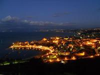 panorama notturno della città e del golfo - 10 gennaio 2010  - Castellammare del golfo (1565 clic)