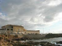 Capo Lilybeo (o Capo Boeo) - vecchi edifici e ristorante - 23 gennaio 2011  - Marsala (1043 clic)