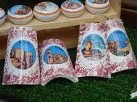 mini tegole decorate - souvenir - 15 luglio 2011  - Erice (2202 clic)