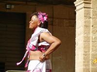 Spettacolo multietnico UNA SOLA FAMIGLIA UMANA nel cortile del Collegio dei Gesuiti - 19 giugno 2011  - Sciacca (648 clic)