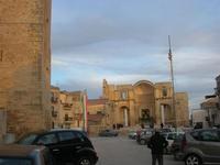 Castello Arabo Normanno - Piazza Alicia e ruderi Chiesa Madre - 9 gennaio 2011  - Salemi (1080 clic)