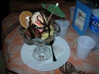 Coppa Piazzetta - gelato nocciola, pistacchio e cioccolato - 6 agosto 2010  - Balestrate (4182 clic)