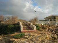 Capo Lilybeo (o Capo Boeo) - la scalinata che porta agli scogli - 23 gennaio 2011  - Marsala (1153 clic)