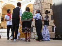 Spettacolo multietnico UNA SOLA FAMIGLIA UMANA nel cortile del Collegio dei Gesuiti - 19 giugno 2011  - Sciacca (539 clic)