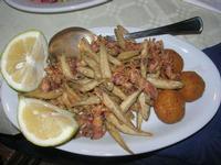 cappuccetti e pesciolini fritti - arancinette di pesce - Caravella - 14 novembre 2010  - Alcamo marina (4600 clic)