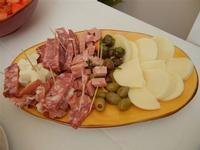antipasto di salumi, formaggi ed olive - 28 agosto 2011  - Alcamo marina (1046 clic)