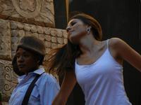 Spettacolo multietnico UNA SOLA FAMIGLIA UMANA nel cortile del Collegio dei Gesuiti - 19 giugno 2011  - Sciacca (570 clic)