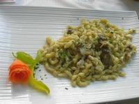 busiate con rana pescatrice e carciofi - La Cambusa - 25 giugno 2011  - Castellammare del golfo (963 clic)