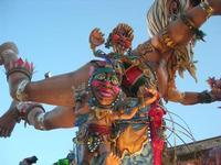 111ª edizione del Carnevale di Sciacca - sfilata corteo mascherato e dei gruppi dei carri allegorici - 6 marzo 2011  - Sciacca (1420 clic)