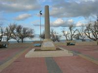 Capo Lilybeo (o Capo Boeo) - la colonna in memoria dello sbarco dei Mille - Duce Garibaldi - 11.5.1860 -, della Battaglia di Lepanto - Don Juan D'Austria - 1571-1573 e della Guerra Punica - Scipione L'Africano - 149-146 A.C. - 23 gennaio 2011  - Marsala (1074 clic)