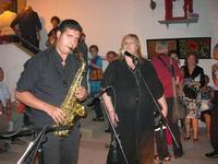 Lorenzo Barbuto (sax) - Parole in Musica - Tutti i sensi che ho - ROSSO DISTRATTO - Festival degli Artisti a cura del Gruppo Archeologico Xaipe - 12 agosto 2010  - Salemi (1498 clic)