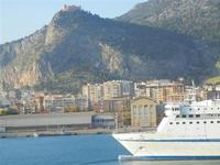 a bordo della nave La Superba - Grandi Navi Veloci - entrata in porto - 21 ottobre 2011 PALERMO LIDI