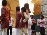 Spettacolo multietnico UNA SOLA FAMIGLIA UMANA nel cortile del Collegio dei Gesuiti - 19 giugno 2011  - Sciacca (914 clic)