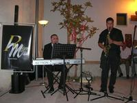 Francesco Rizzomani (piano e voce) e Lorenzo Barbuto (sax) - Parole in Musica - Tutti i sensi che ho - ROSSO DISTRATTO - Festival degli Artisti a cura del Gruppo Archeologico Xaipe - 12 agosto 2010  - Salemi (1469 clic)