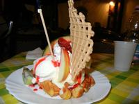 Waffel Tropical - gelato fragola, ananas, banana, panna, frutta, variegato fragola - La Piazzetta - 23 aprile 2011  - Balestrate (2188 clic)
