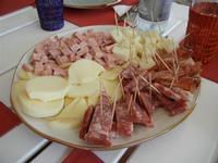 antipasto di salumi e formaggi - 28 agosto 2011  - Alcamo marina (1058 clic)