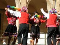 Spettacolo multietnico UNA SOLA FAMIGLIA UMANA nel cortile del Collegio dei Gesuiti - 19 giugno 2011  - Sciacca (706 clic)