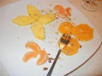 frutta: ananas, arance e mandarini con frutta secca - Busith - 25 dicembre 2011  - Buseto palizzolo (613 clic)