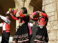 Spettacolo multietnico UNA SOLA FAMIGLIA UMANA nel cortile del Collegio dei Gesuiti - 19 giugno 2011  - Sciacca (611 clic)