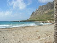 spiaggia e Monte Cofano - 2 giugno 2010  - Cornino (7396 clic)