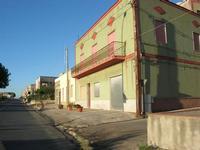 lungo la strada - 1 agosto 2010  - Rilievo (3072 clic)
