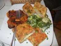 antipasto rustico: frittatine, involtini di melanzane, spinaci e ricotta - Busith - 31 ottobre 2011  - Buseto palizzolo (978 clic)