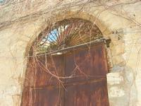 portone in ferro in via Don L. Zangara - 21 febbraio 2010   - Castellammare del golfo (1504 clic)