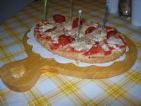 Bruschetta Stammi Lontano, con passata di pomodoro, mozzarella, tonno e salamino piccante - La Piazzetta - 11 settembre 2010  - Balestrate (3707 clic)