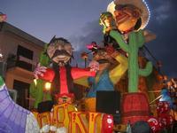 Carnevale - sfilata carri allegorici - 8 marzo 2011  - Cinisi (2585 clic)