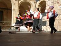 Spettacolo multietnico UNA SOLA FAMIGLIA UMANA nel cortile del Collegio dei Gesuiti - 19 giugno 2011  - Sciacca (615 clic)