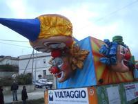 Carri pronti per la Sfilata di Carnevale - 7 febbraio 2010  - Valderice (1968 clic)