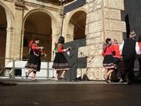 Spettacolo multietnico UNA SOLA FAMIGLIA UMANA nel cortile del Collegio dei Gesuiti - 19 giugno 2011  - Sciacca (571 clic)