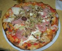 Pizza Quattro Gusti - La Lanterna John Pizza - 20 aprile 2010  - Alcamo marina (13039 clic)