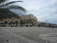 Piazza Petrolo - 9 febbraio 2010  - Castellammare del golfo (1774 clic)